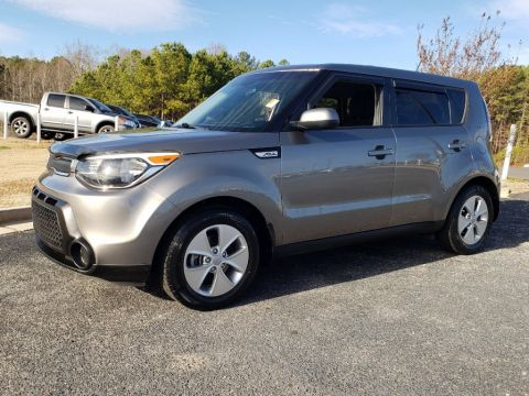 Pre-Owned 2015 Kia Soul Base FWD Hatchback