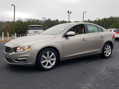 Pre-Owned 2016 Volvo S60 T5 Premier With Navigation